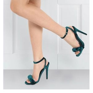 Doli Berry velvet days teal braided heels